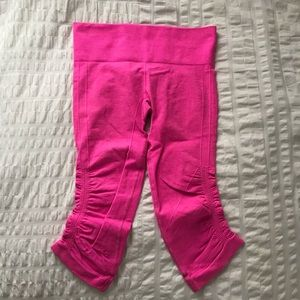 Lululemon hot pink crop leggings